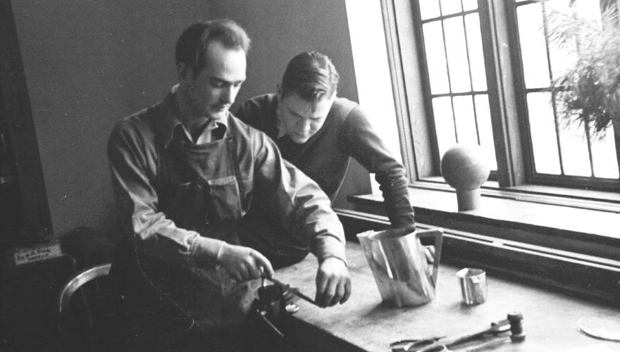 Harry Bertoia ensinando em Cranbrook